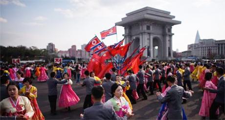 Theo Koryo Tours, công ty chuyên tổ chức cho khách quốc tế tới Triều Tiên, quá trình cấp visa vào đất nước này đã bị ngừng. Quyết định sẽ áp dụng ít nhất cho đến hết ngày 9/9, thời điểm Triều Tiên tổ chức lễ kỷ niệm 70 năm thành lập. Lý do của việc dừng cấp visa không được thông báo.