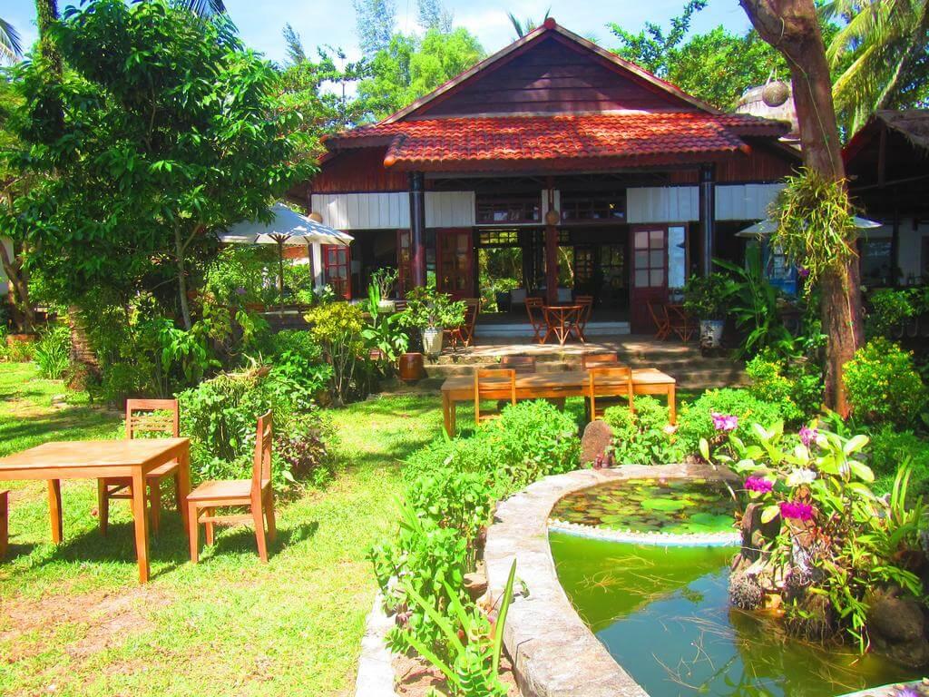 Không gian xanh mát tại Bamboo Cottages